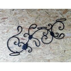 Цветарник за стена от ковано желязо
